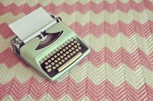 crochet-knit-pink-typewriter-vintage-favim-com-106310