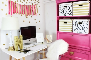 Pink-and-Gold-Office-Nook