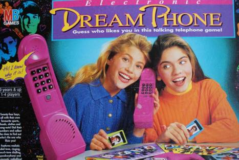 rs_1024x688-131216142348-1024.-90s-dream-phone
